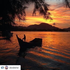 #Repost @dodistw ・#acehimages.com・ More #sunset #bandaaceh #love #instagram #iphoneonly #instagood #webstagram