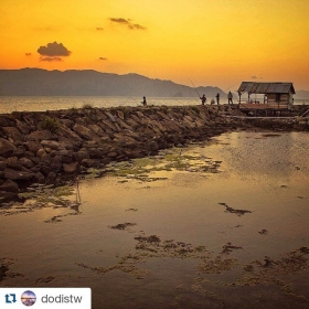 #Repost @dodistw ・#acehimages.com・ Yellow #hdr #bandaaceh #aceh #sunset