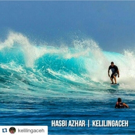 #Repost @kelilingaceh ・#acehimages.com・  Surfing in #PulauBanyak #AcehSingkil #Aceh #BanyakIsland #Surfing #beach #holiday #journey #Tourism #visitAceh #diwanaID #iloveaceh #destination #indonesiaonly #beautifulplace #wonderfulindonesia #island #kelilingACEH #bangkaru #acehonimages #instasunda #instanusantara #indonesiaphotography #iphonesia