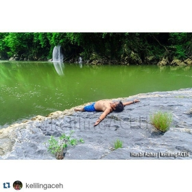 #Repost @kelilingaceh ・#acehimages.com・  Serasa kolam di belakang rumah Trip Explore Teunom  #KelilingACEH #Trip #TripTeunom #river #nature #aceh #VisitAceh #Tourism #waterfall #Journey #lingkarindonesia #destination #exploreaceh #swiming #adventure #JointTrip #diwanaID #ILAcrew #iloveaceh #AcehAdventure #jalan2atok #fishing #freshwater #fishingTrip