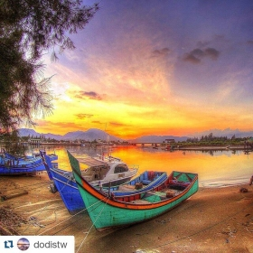 #Repost @dodistw  #acehimages.com ・・・ painting twilight #bandaaceh #aceh #sunset